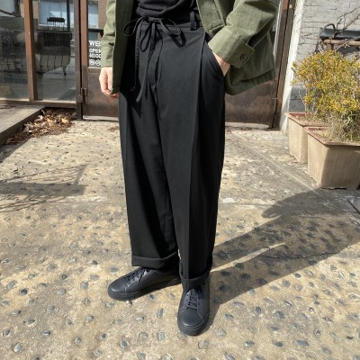 [PANTS] string one tuck wide slacks